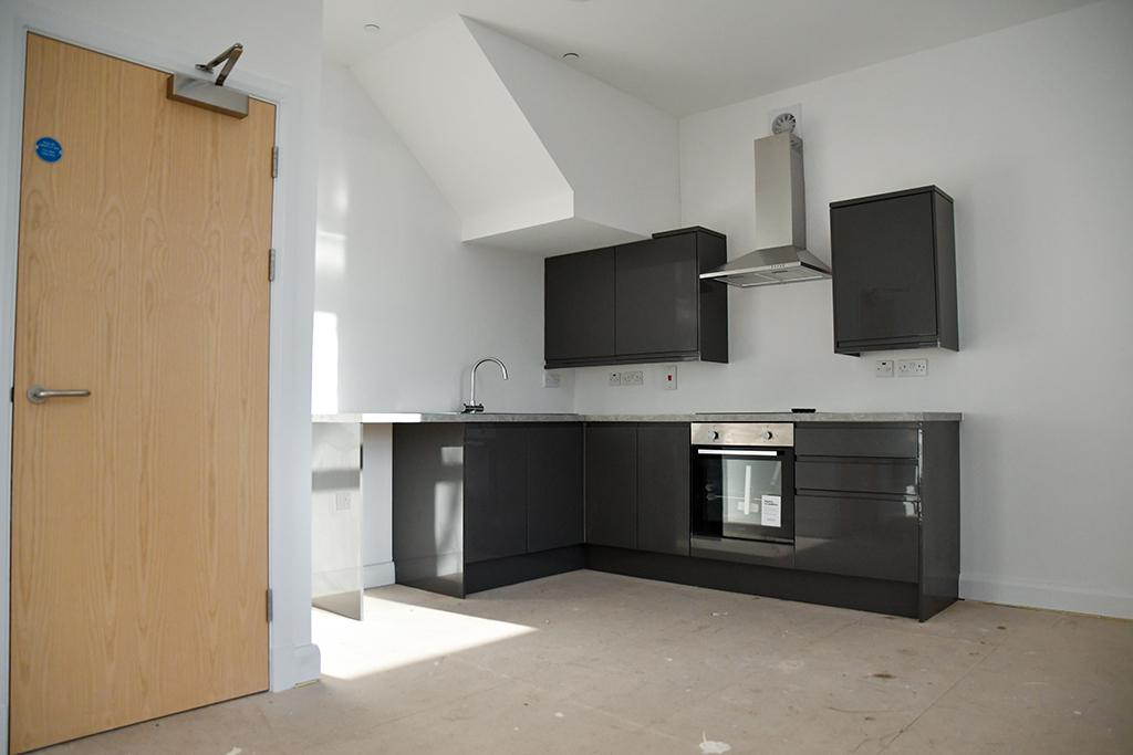 Flat Walter Road Swansea kitchen